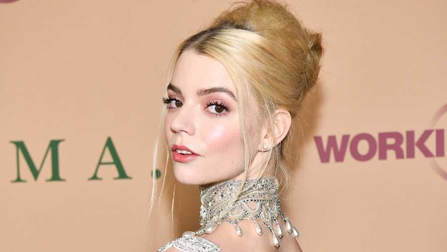 El perfil es el posado estrella de Anya Taylor-Joy, doblemente nominada en los Globos de Oro