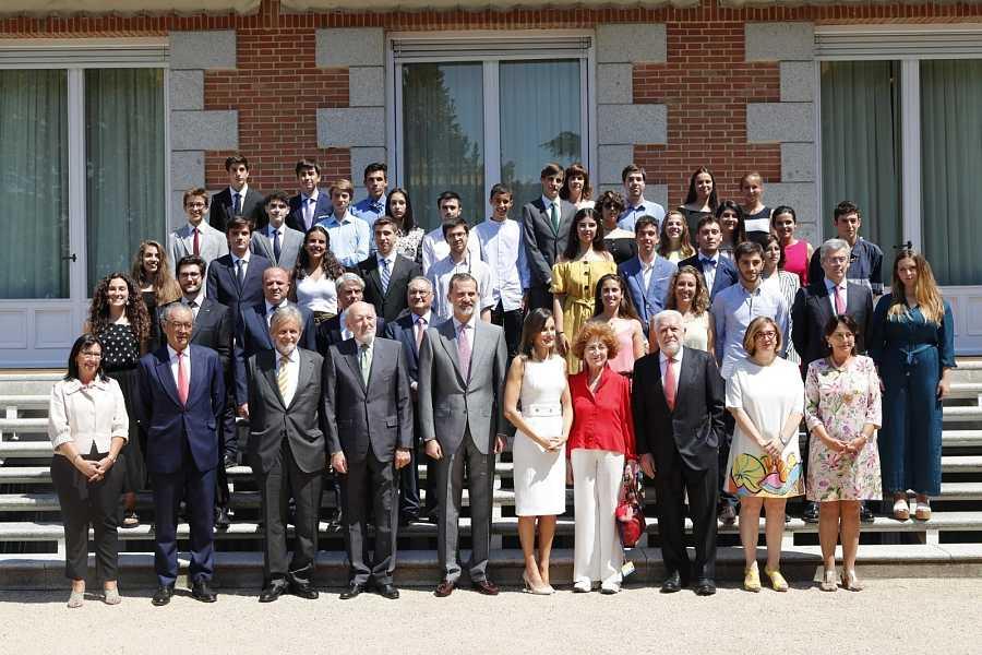 Felipe VI y doña Letizia visitan anualmente UWC España como Altos Patronos de la Fundación