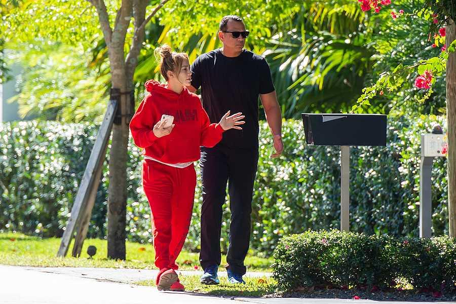 JLo y Alex Rodríguez en su casa en Miami