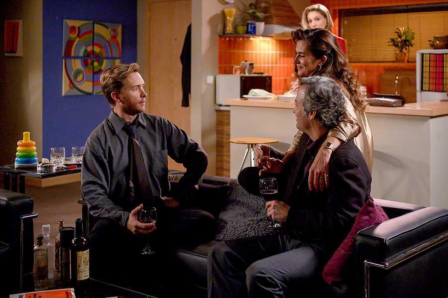 Toni y Deborah invitan a cenar a Marta y su marido