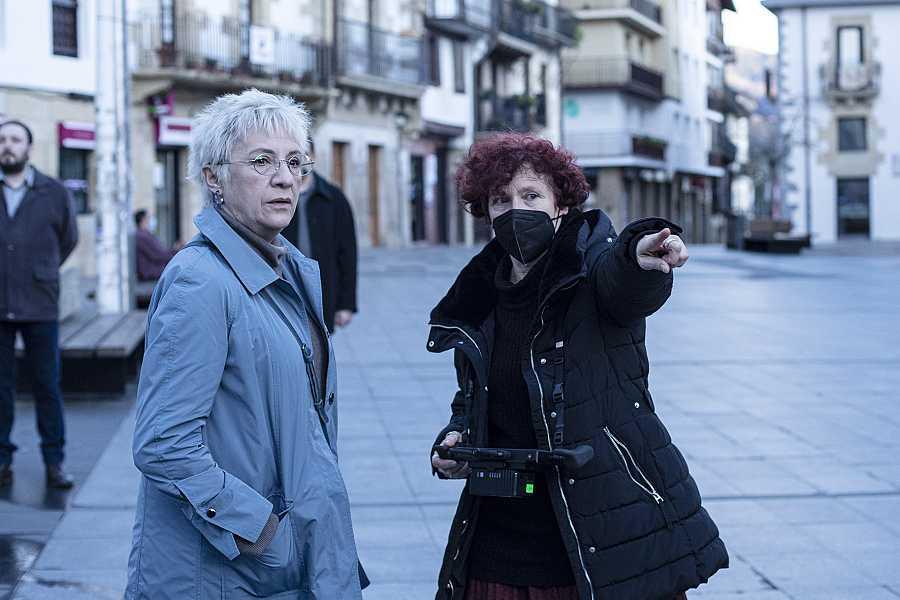 Blanca Portillo e Icíar Bollaín en el rodaje de 'Maixabel'