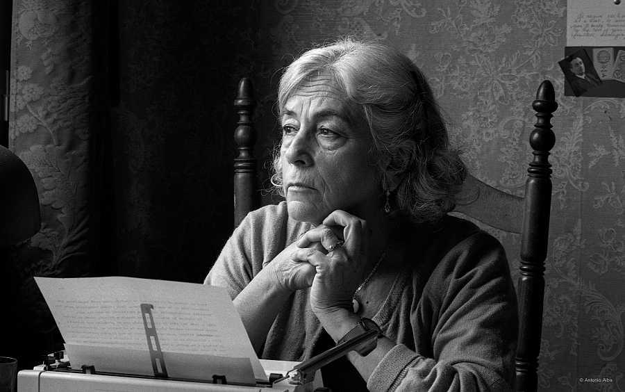 La escritora Carmen Martín Gaite