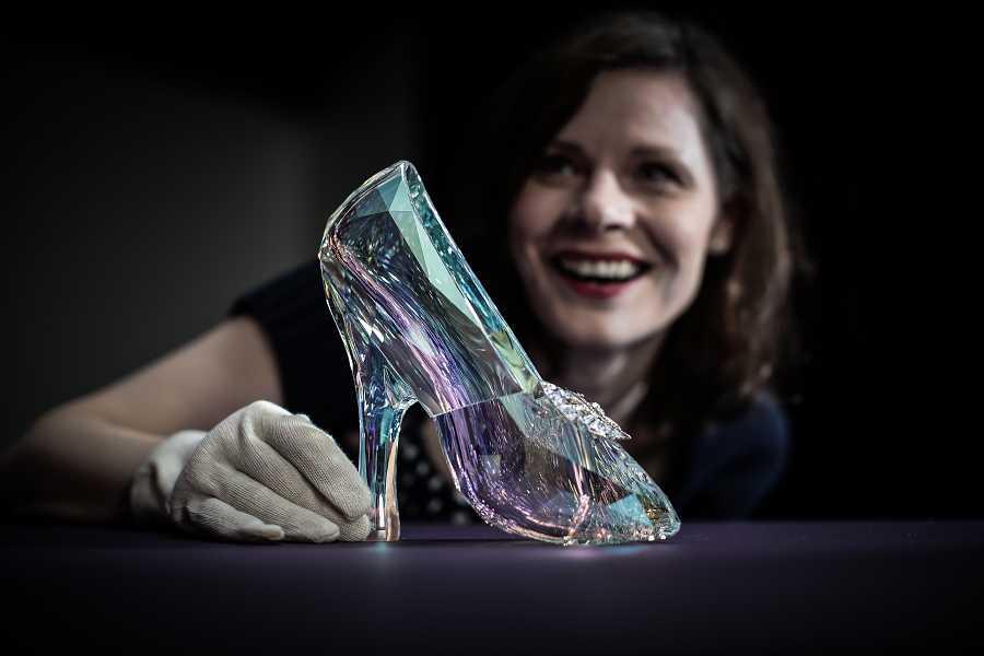 Zapato de Swarovski diseñado por Sandy Powell para La Cenicienta'