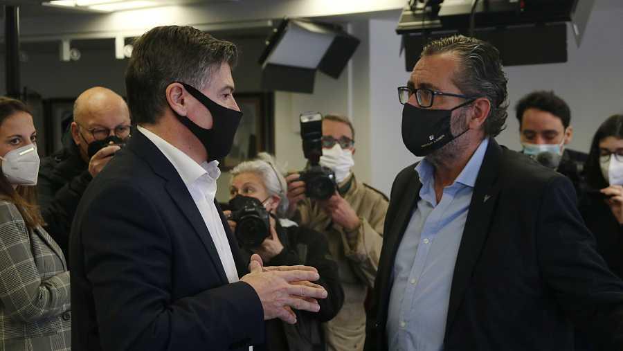 Els dos candidats a la presidència de Pimec, Antoni Cañete i Pere Barrios, durant la celebració de les eleccions de la patronal