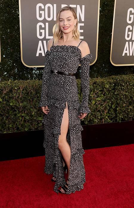 Margot Robbie, de Chanel, una de las favoritas de los Globos de Oro