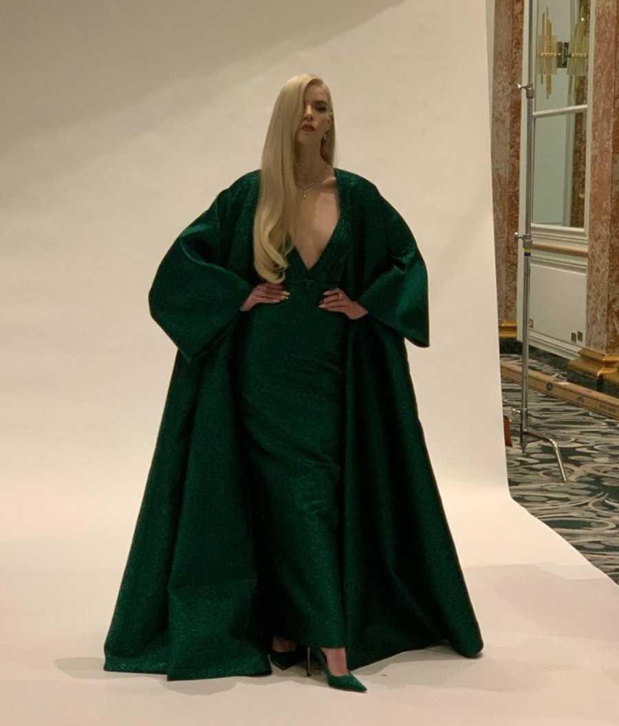 Anya Taylor-Joy, de Dior y con joyas de Tiffany, triunfa en los Globos de Oro