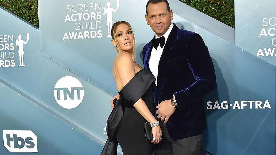 ¿Jennifer Lopez y Álex Rodríguez, vestidos de negro
