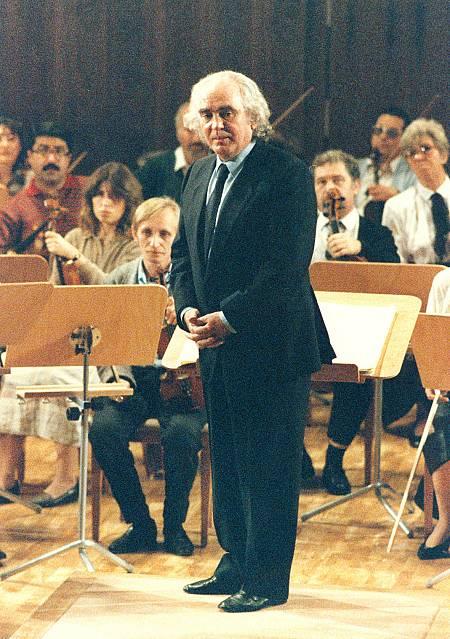Antón García Abril, en un concierto