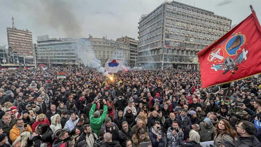 Manifestación en Belgrado contra las restricciones del coronavirus