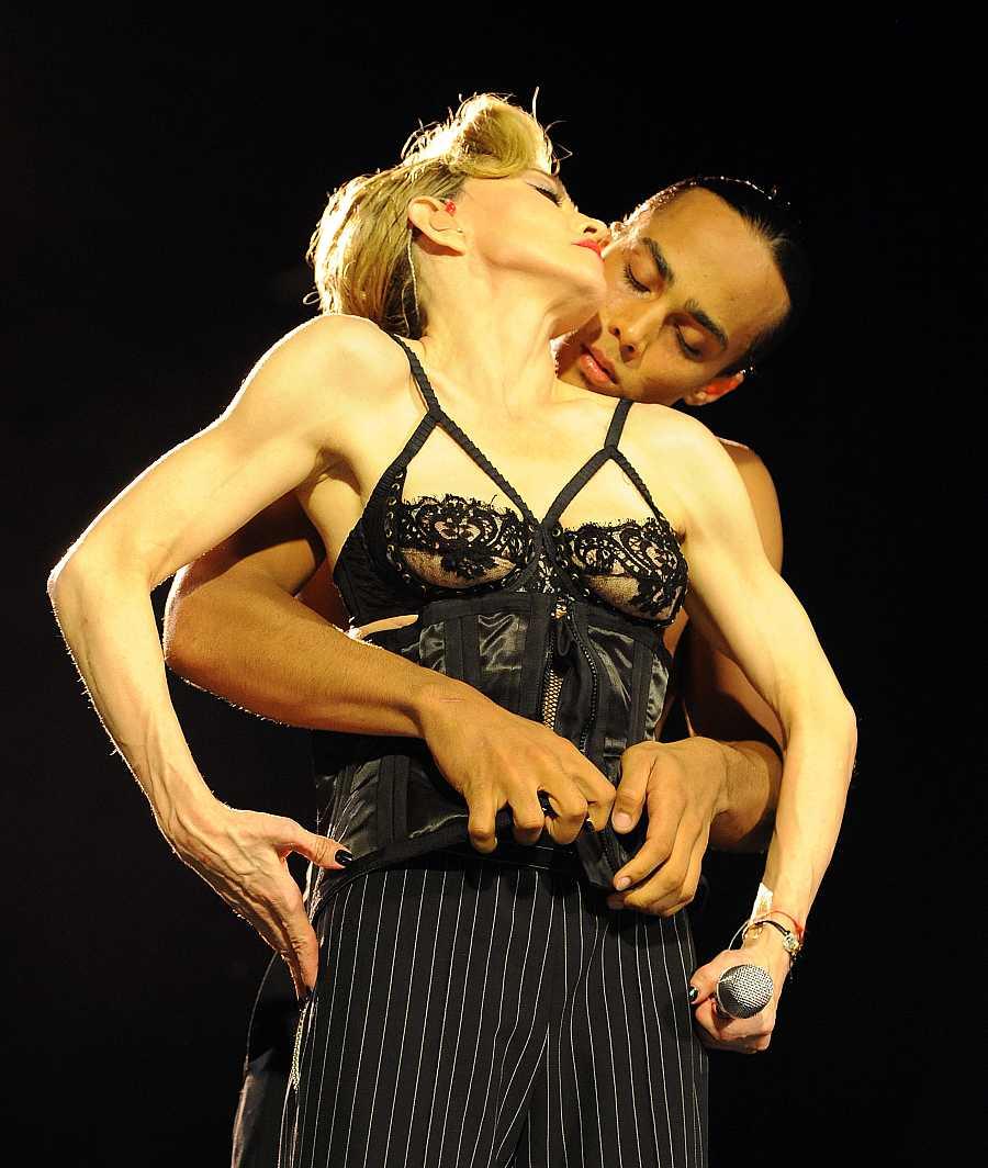 Madonna en un concierto en Tel Aviv, mayo de 2012