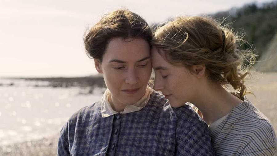Fotograma de la película 'Ammonite', protagonizada por Kate Winslet