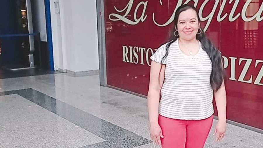 Nura vino a España hace un año y medio huyendo de la violencia de Honduras.