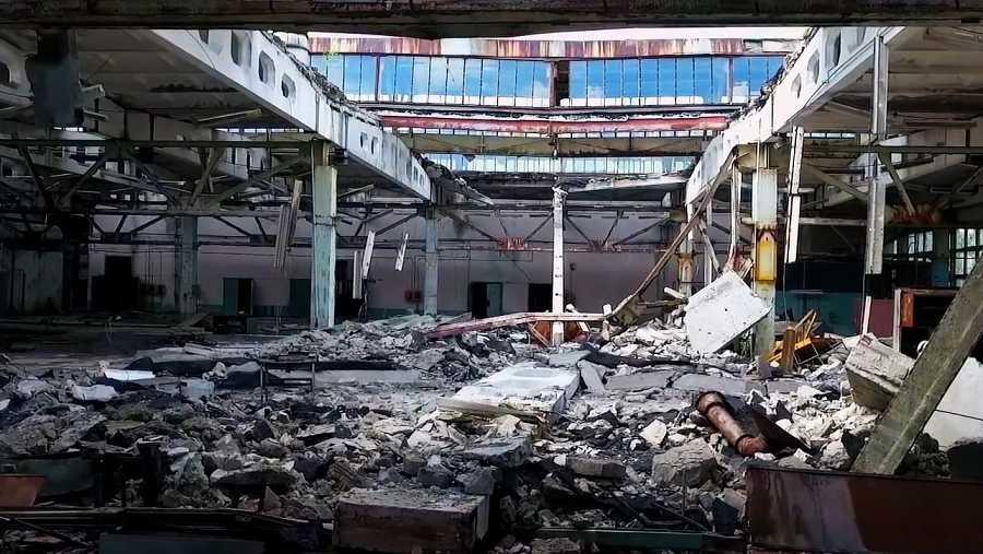 Solar de un edificio destruído en Prípiat