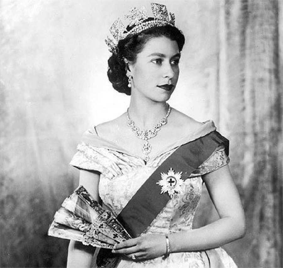 Isabel II, 95 años del nacimiento de una reina pop en La 2