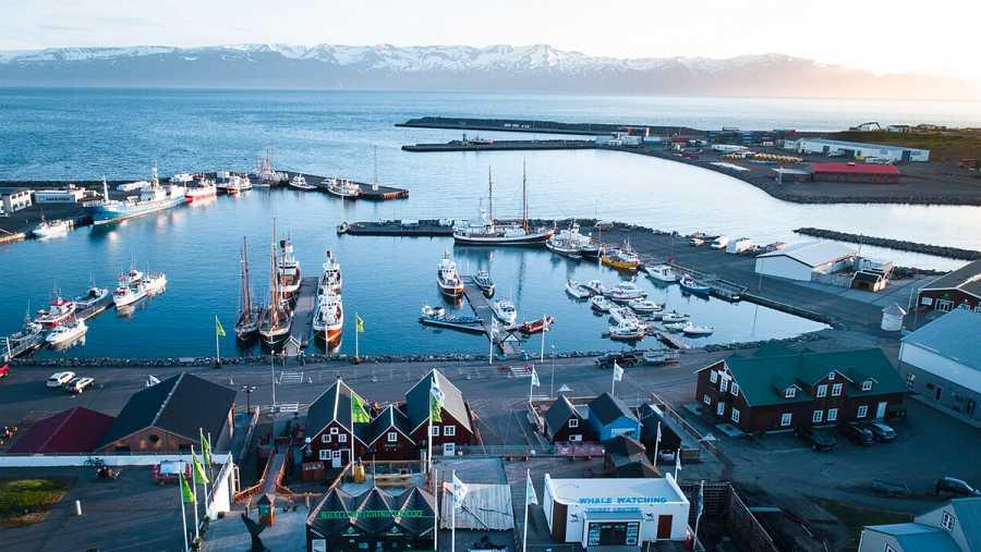 Vista del pueblo islandés Húsavik.