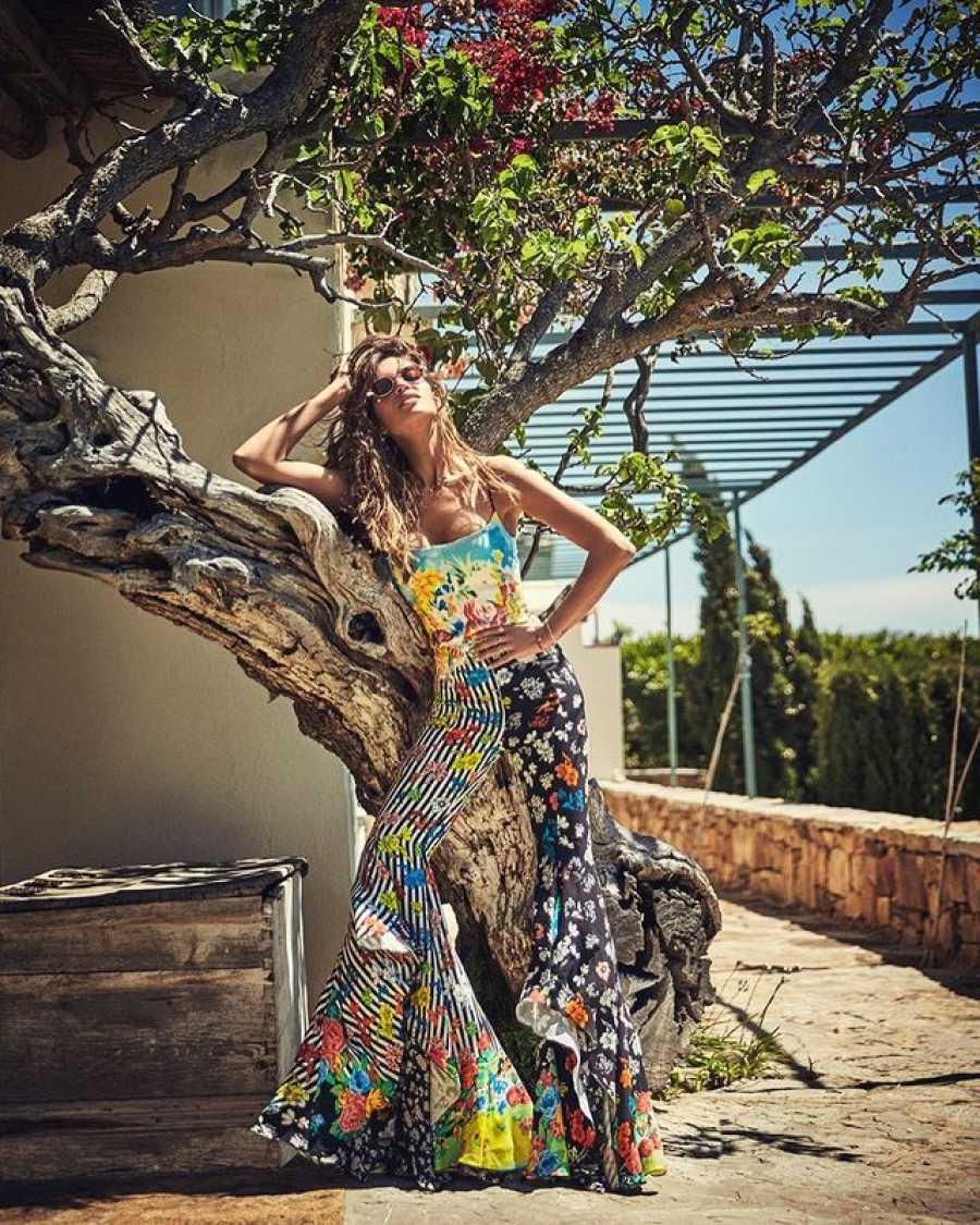 Sara Carbonero, llena de luz y de color