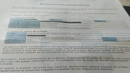 Detalle de uno de los contratos que Conchi renueva anualmente desde hace 17 años