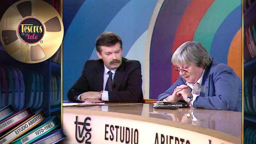 Gloria Fuertes con José María Íñigo, en 'Estudio abierto'
