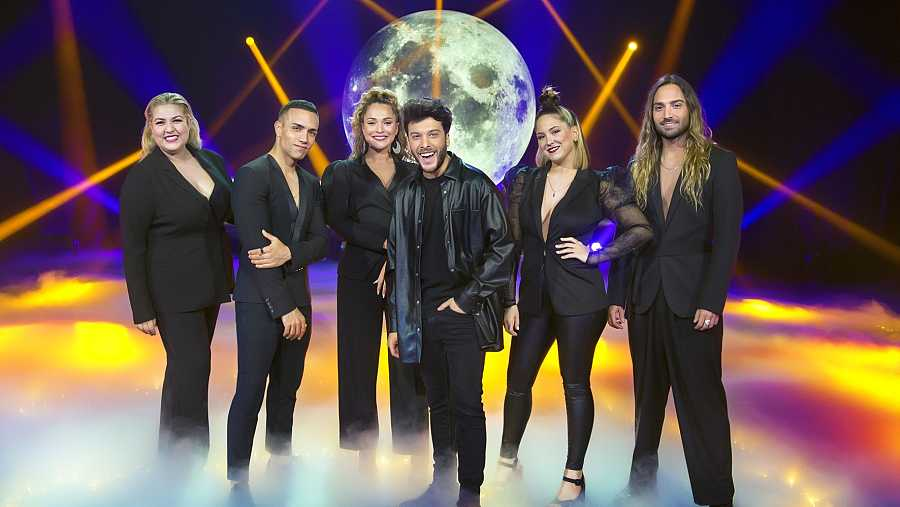 Blas Cantó y sus coristas