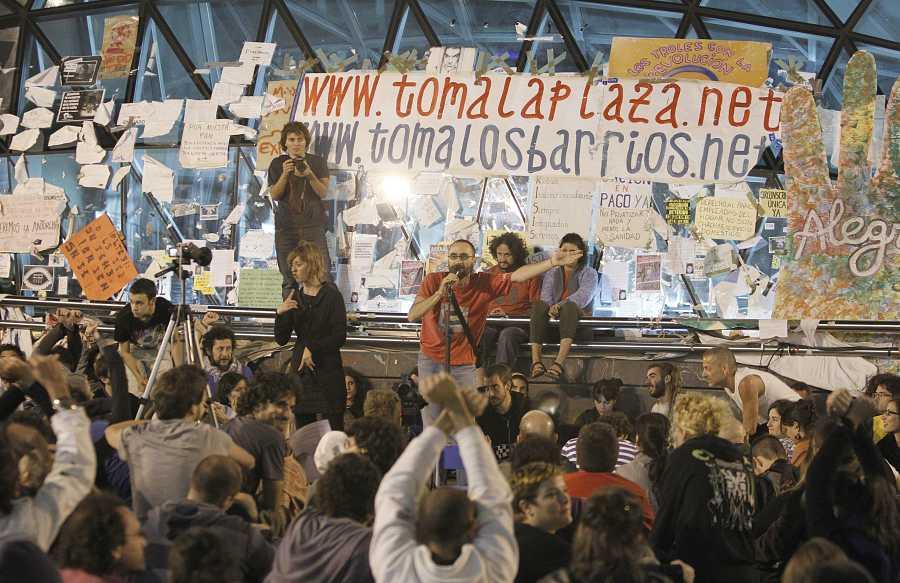 Los indignados tomaron la plaza y las redes sociales