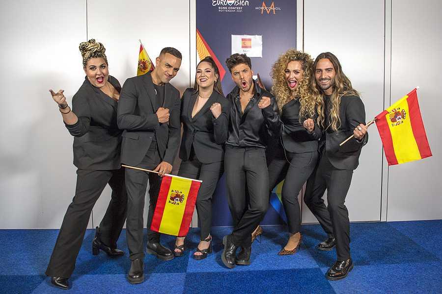 Blas Cantó con sus coristas de Eurovisión