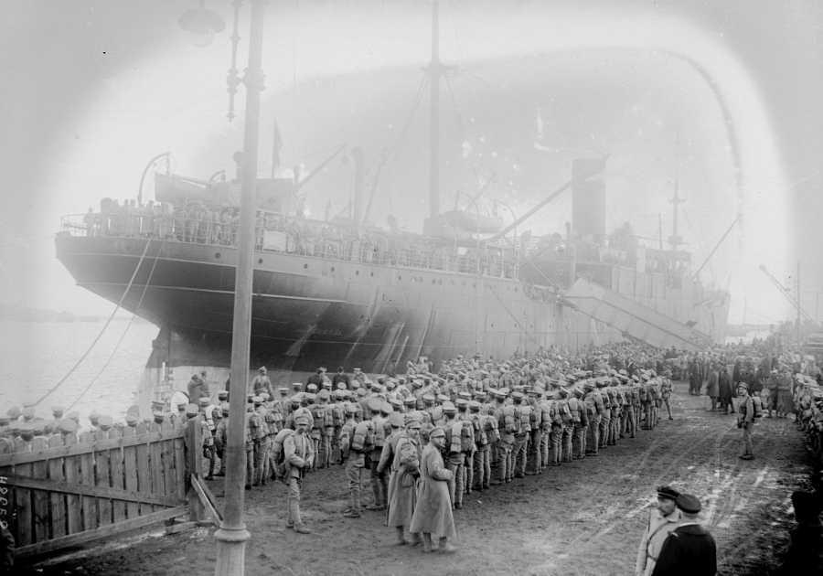 Llegada de las tropas aliadas al puerto de Brest, Francia, en 1917