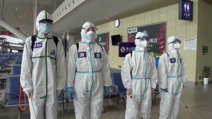 'Tras la pista del virus' es un documental suizo que busca los orígenes de la pandemia del COVID19