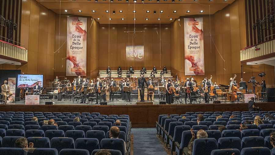 Pablo González y la Orquesta RTVE en la presentación de la temporada 2021/2022