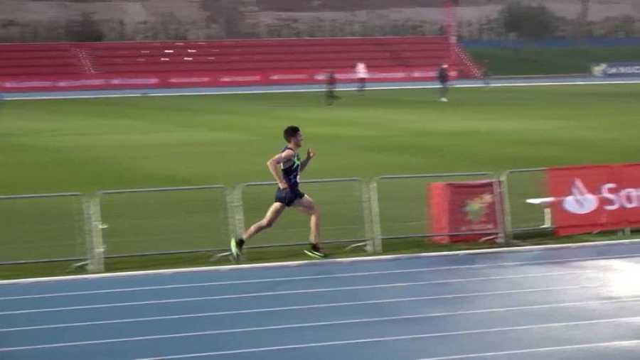 Dani Mateo, en una pista de atletismo