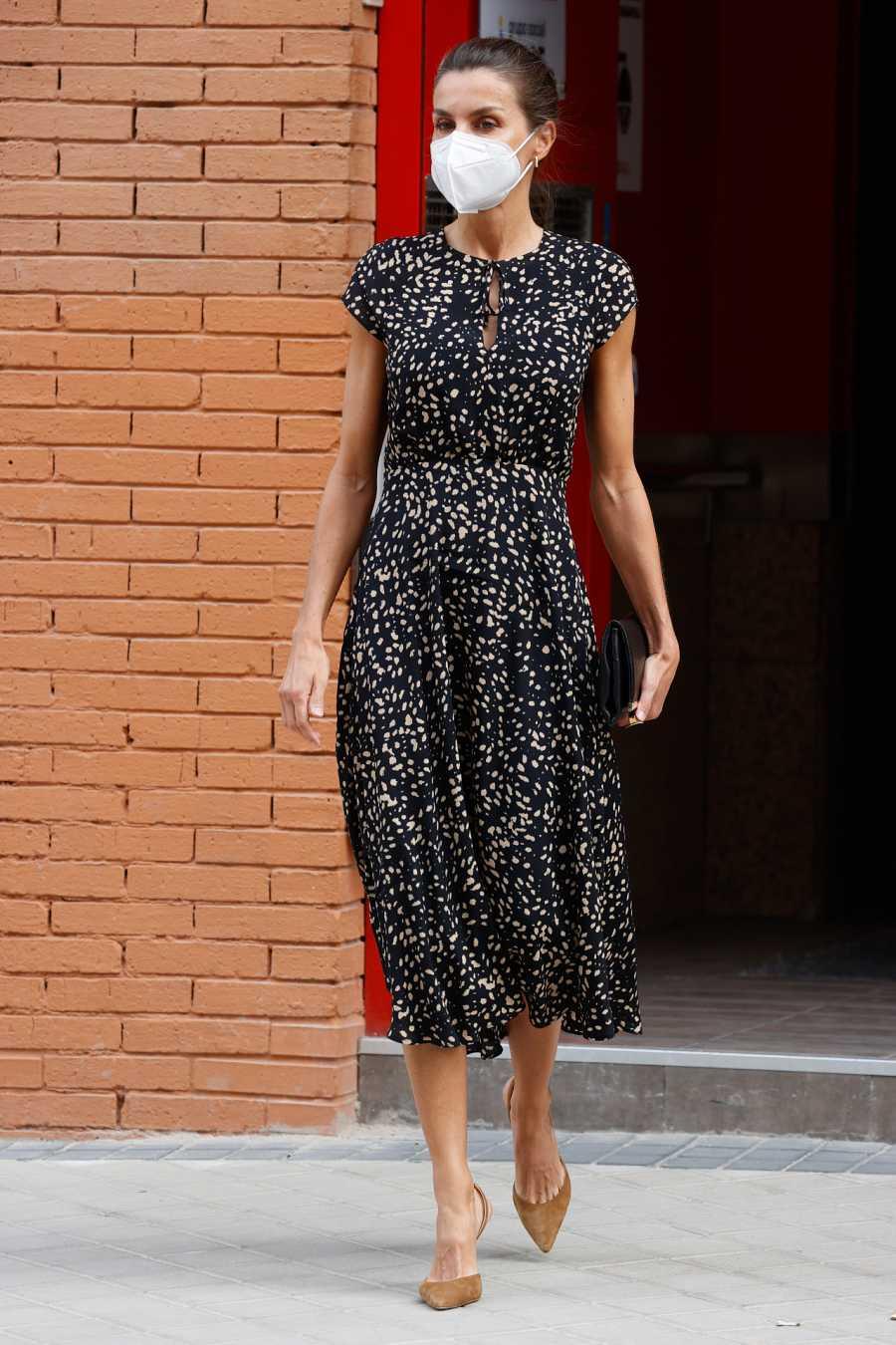 Doña Letizia con un vestido de Massimo Dutti