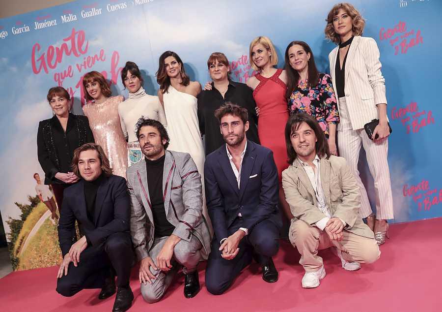 Reparto de la película 'Gente que viene y bah', con Carlos Cuevas