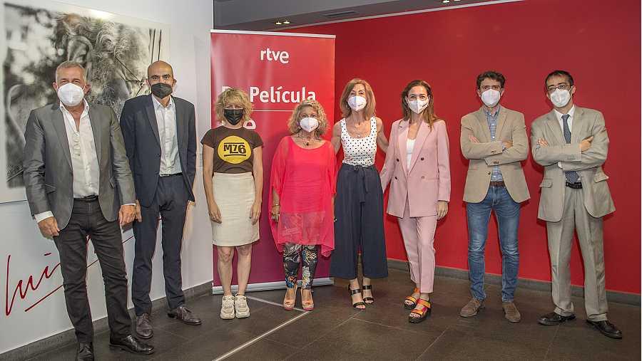 jurado del concurso con representantes de RTVE