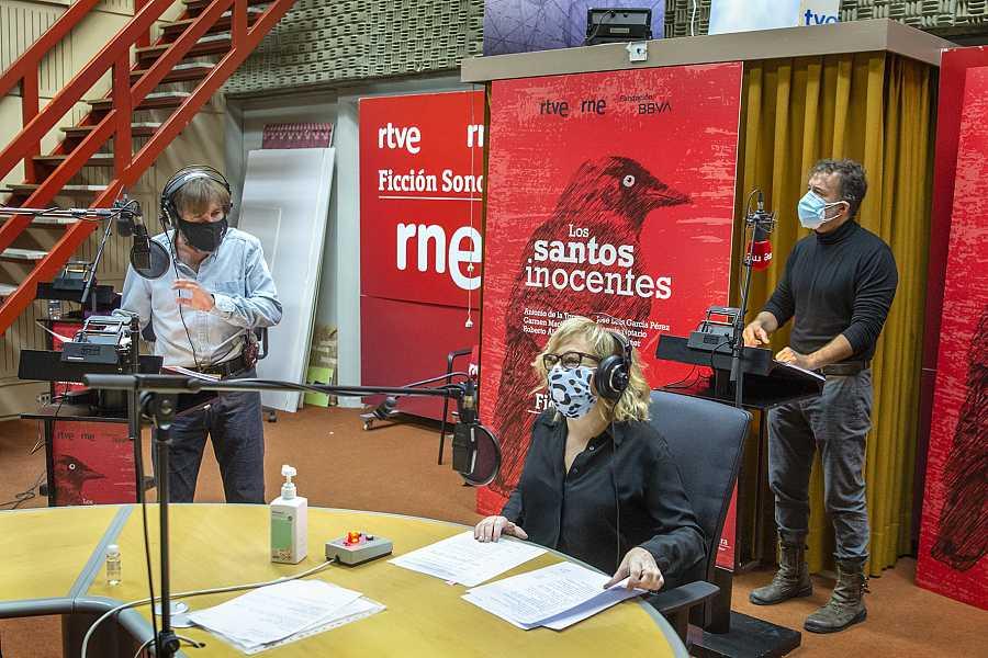 Carmen Machi, Antonio de la Torre y José Sacristán en Radio Nacional