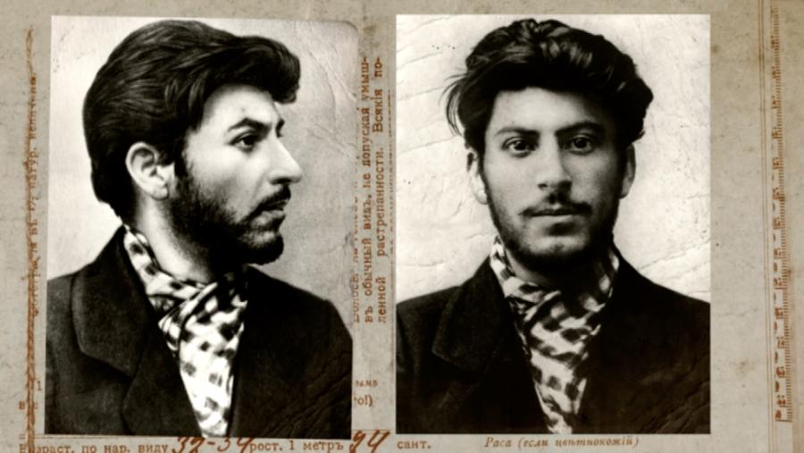 Iósif Stalin se afilió de muy joven al partido Partido BolcheviquedeLenin