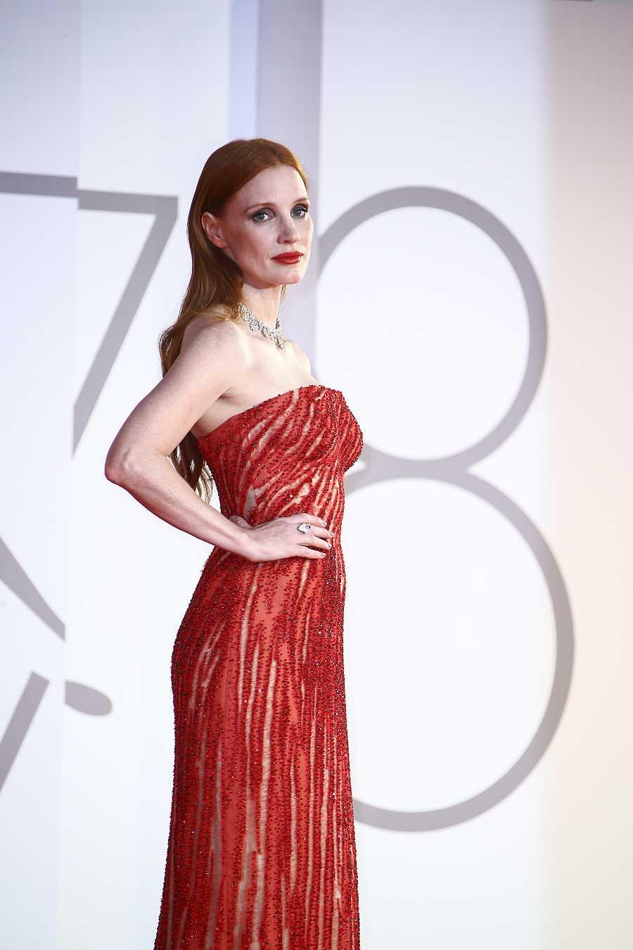 Jessica Chastain en la alfombra roja de Venecia