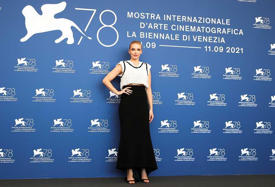 Jodie Comer en el Festival de Venecia