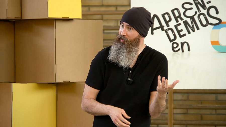 Pepe Arjona, maestro y experto en gamificación, participando en 'Aprendemos en Clan. El debate'