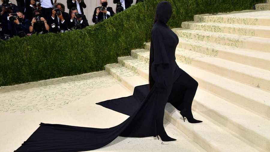 Kim Kardashian llega para la Met Gala 2021 en el Museo Metropolitano de Arte el 13 de septiembre de 2021 en Nueva York.
