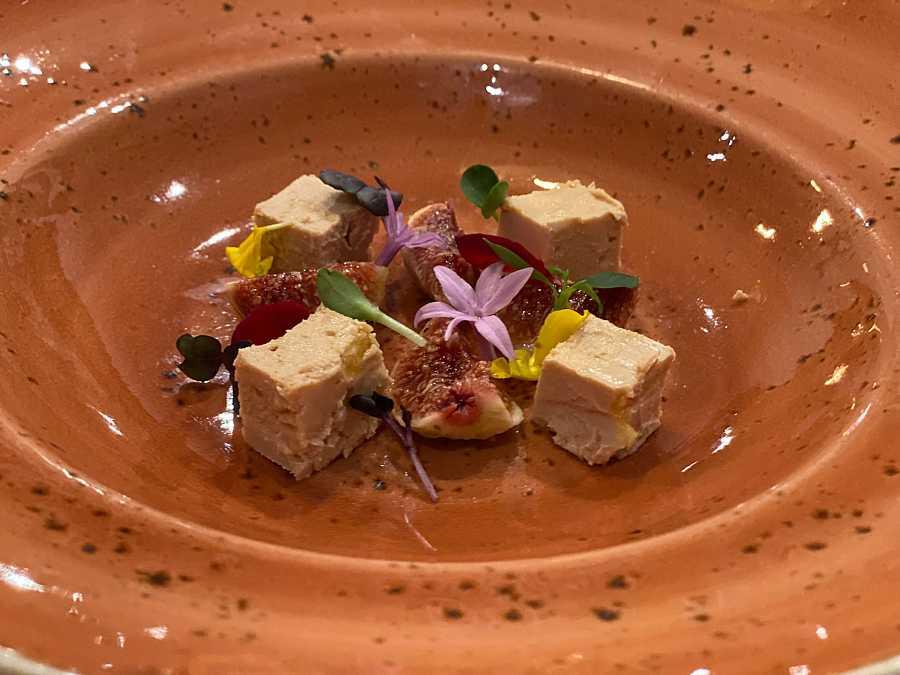 Toppings para el ajo blanco: higos con foie micuit
