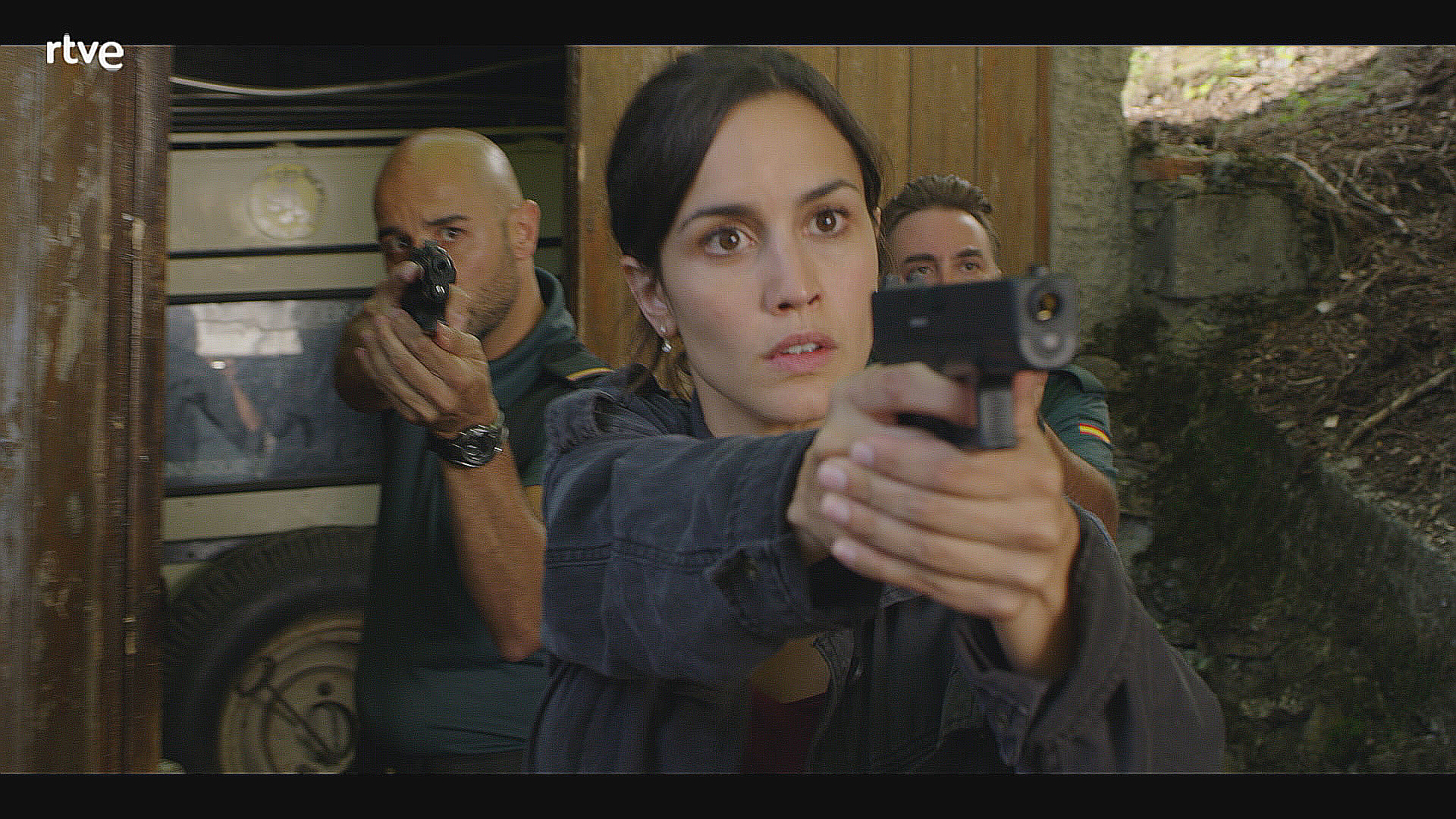 La 1 estrena el thriller 39 la caza monteperdido 39 for Div style padding