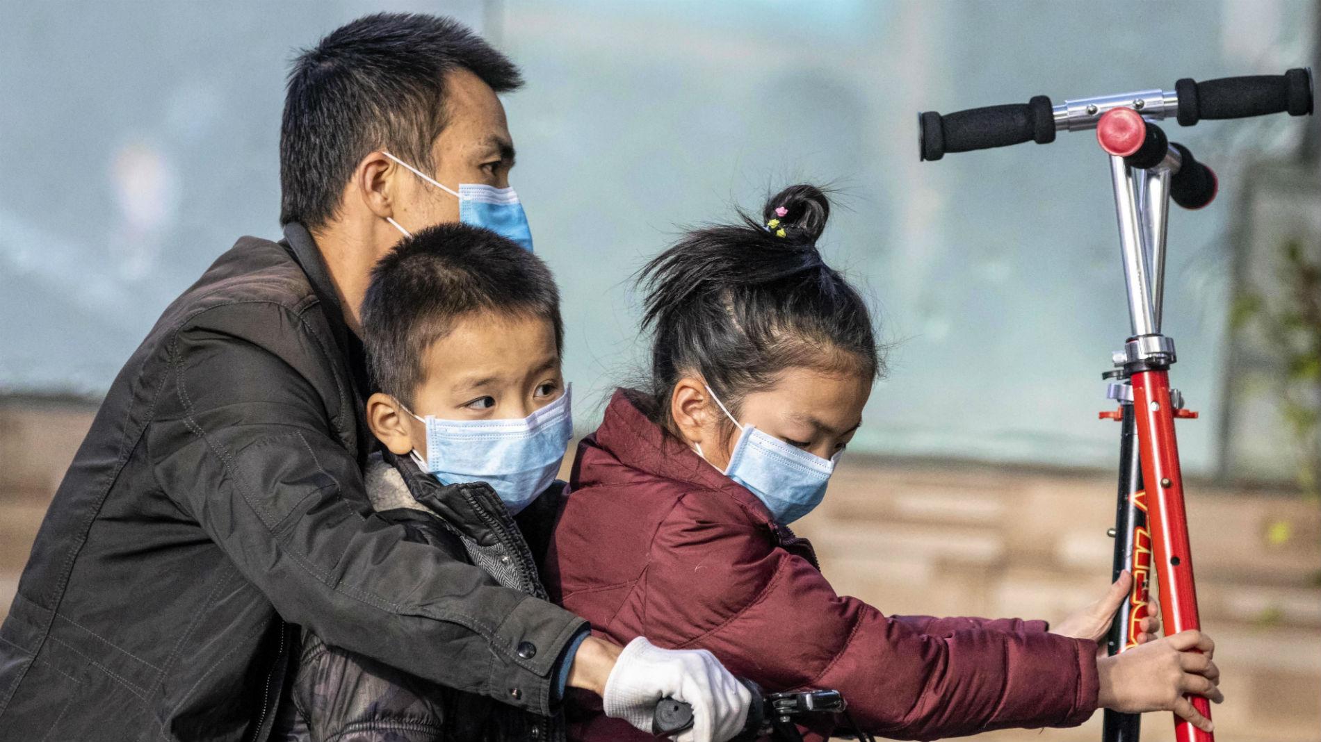 China roza los 1.900 muertos por el coronavirus y los contagiados son ya más de 72.000
