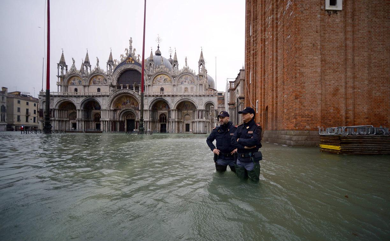 El «agua alta» en Venecia obliga a suspender el transporte público y mantiene los colegios cerrados por cuarto día