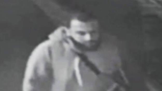 Ahmad Khan Rahami, suspeito em explosões em Nova Iorque e Nova Jersey, fotografado pela câmara de segurança