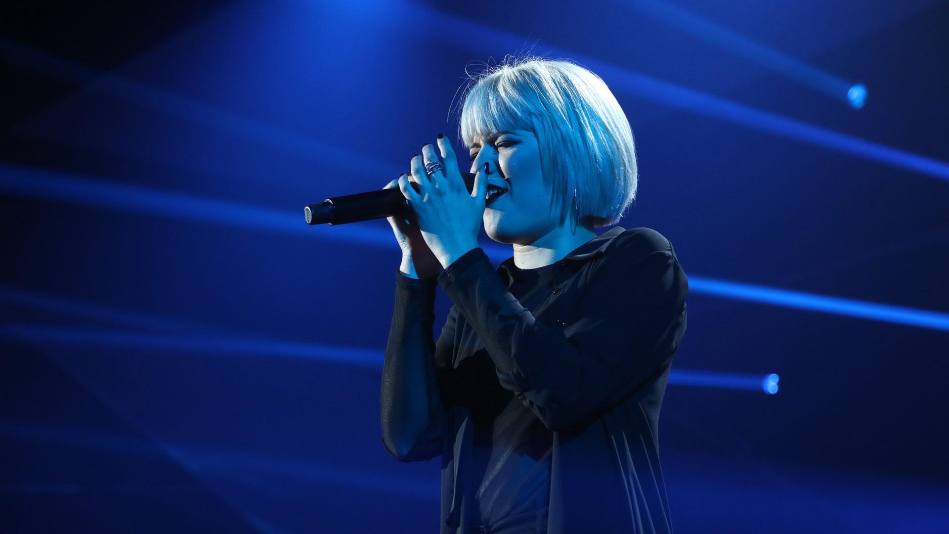 "OT 2018 - Alba canta ""Lost on you"" en la gala 10"
