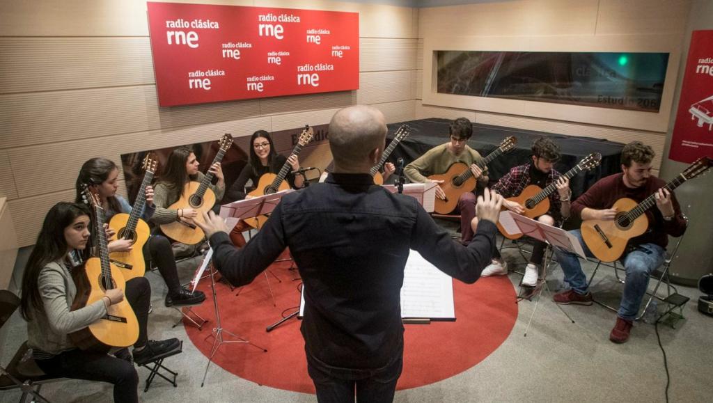 Orquesta de Guitarras Django Reinhardt en 'Andante con moto'