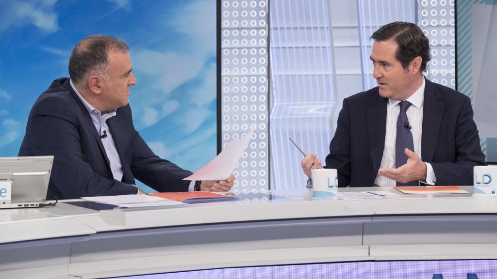 Los desayunos de TVE - Antonio Garamendi, presidente de la CEOE, y Juan Marín, candidato de IU a la presidencia de la Junta de Andalucía