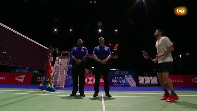 Campeonato del Mundo.  2ª ronda: K. Momota - E. Peñalver