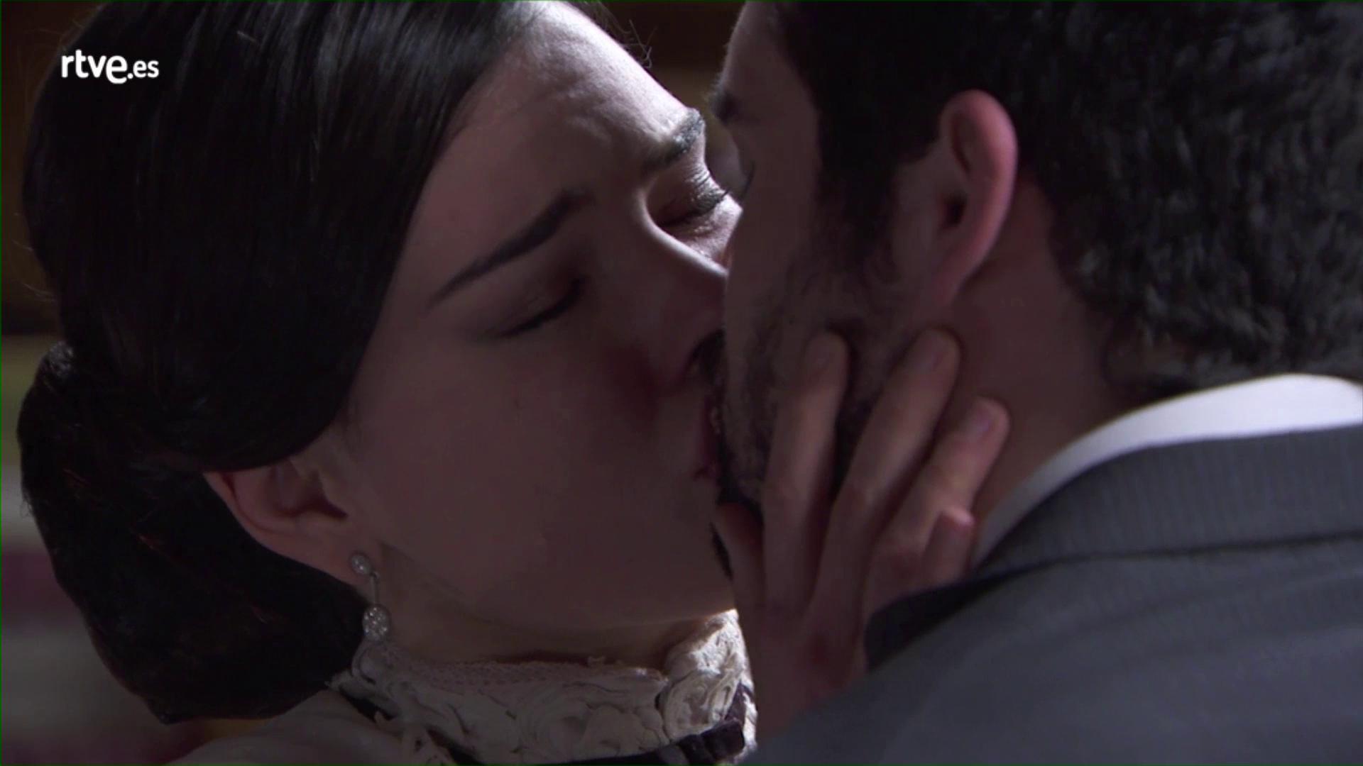 """Acacias 38 - Leonor a Iñigo: """"Si he reencontrado las ganas de vivir ha sido gracias a ti"""""""