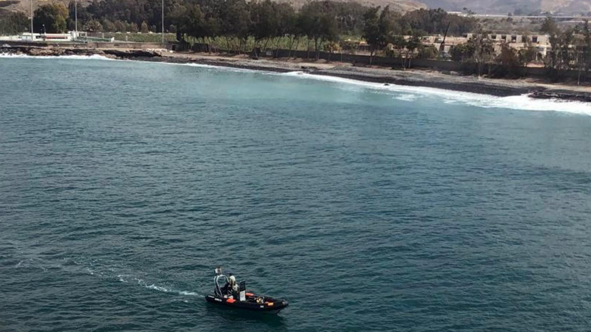 Buscan a un bebé y un hombre desaparecidos en una patera en Gran Canaria