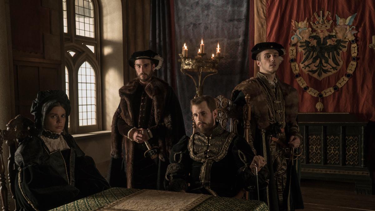 Carlos, Rey Emperador - El emperador vuelve después de las Navidades